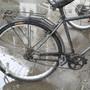 """北京公共自行车""""骑着骑着 脚蹬子掉马路上了"""""""