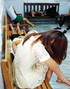 惠州传销女为练胆量闹市举牌求包养