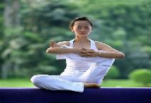 瑜伽教练班价格表
