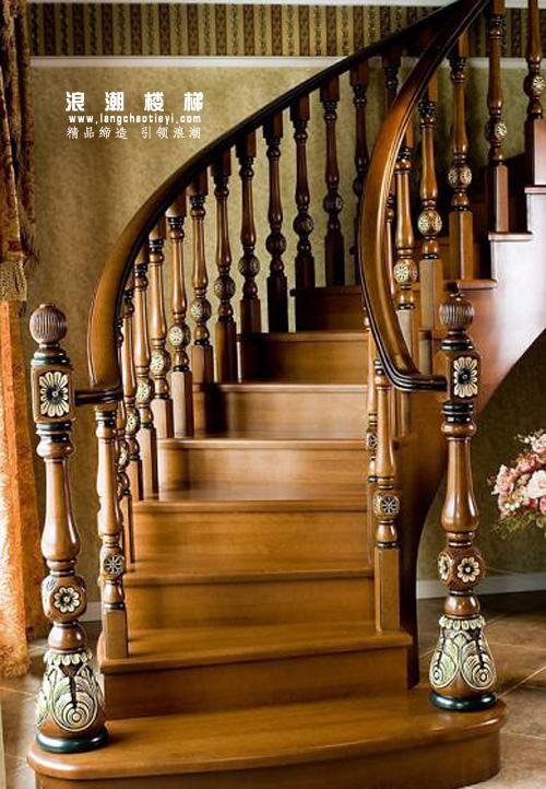 实木楼梯不同材质的价格