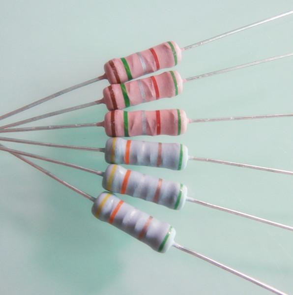 绕线电阻器的特点是阻值精度极高,工作时噪声小、稳定可靠,能承受高温,在环境温度170下仍能正常工作。但它体积大、阻值较低,大多在100K以下。另外,由于结构上的原因,其分布电容和电感系数都比较大,不能再高频电路中使用。这类电阻通常在大功率电路中作降压或负载等用。