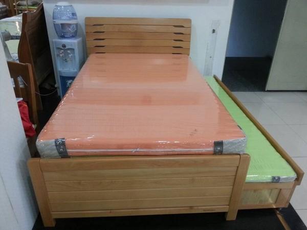 卧室家具 床/床榻类 瑞丰实木床a15