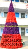 紫红色混合大型圣诞树 彰显不同的色调