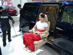 商务车电动旋转座椅改装