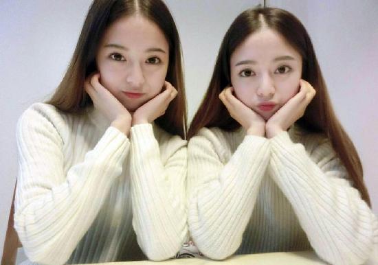雙胞胎姐妹走紅網絡