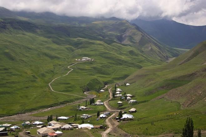 成吉思汗古道-高加索山2.jpg